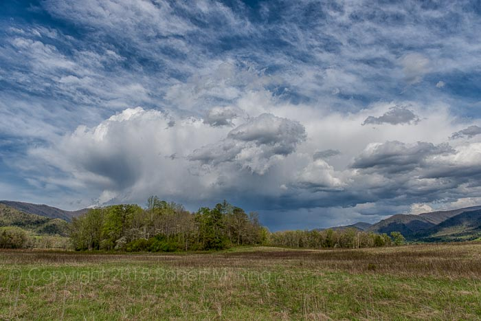 Smoky Mountains, Great Smoky Mountains NP, Cades Cove, clouds, photo
